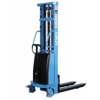 Semi-electric stacker 1.5 tons GamLift S15